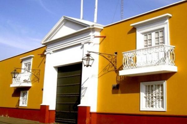 Piden a ciudadanos pintar casas coloniales de trujillo por for Zocalo fachada exterior